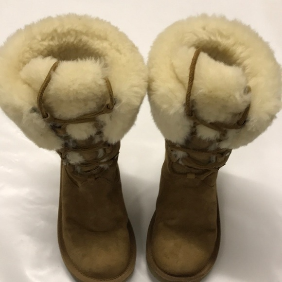 c9c7f2a9ba5 Ugg Winter Snow Boots Brown Leather size 6 / 7 US